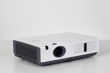 EIKI LC-XNS2600 3000 LUMEN XGA LCD Projector